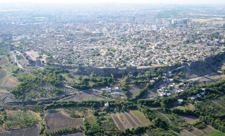 Diyarbakırın geniş ölçekten çekilmiş bir görüntüsü.